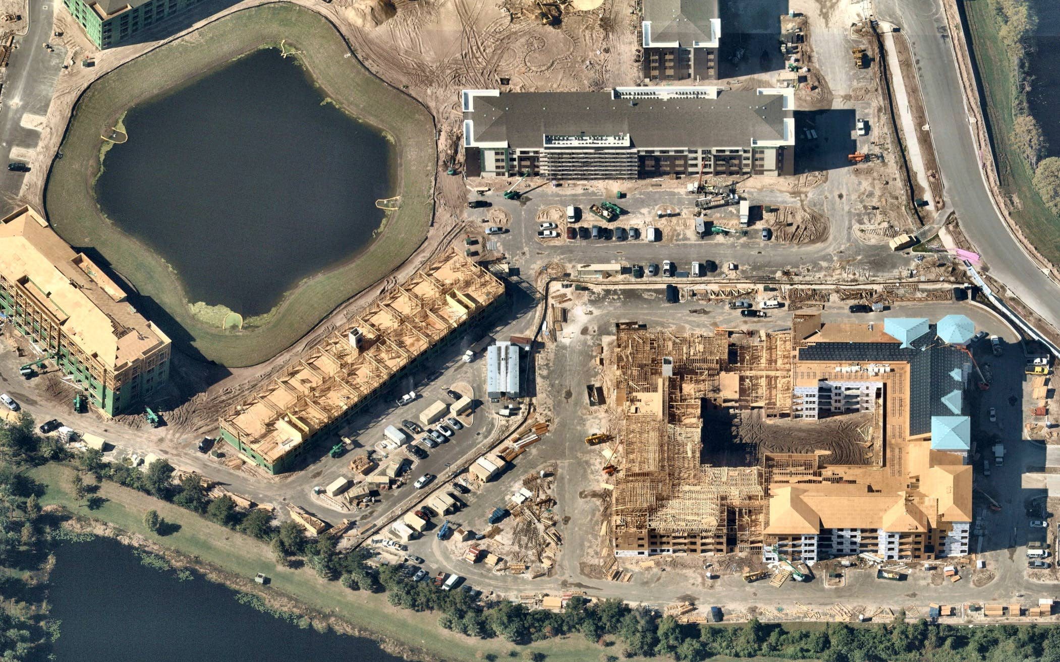 Aerial view, commercial construction near Orlando, FL -- 21 November 2018