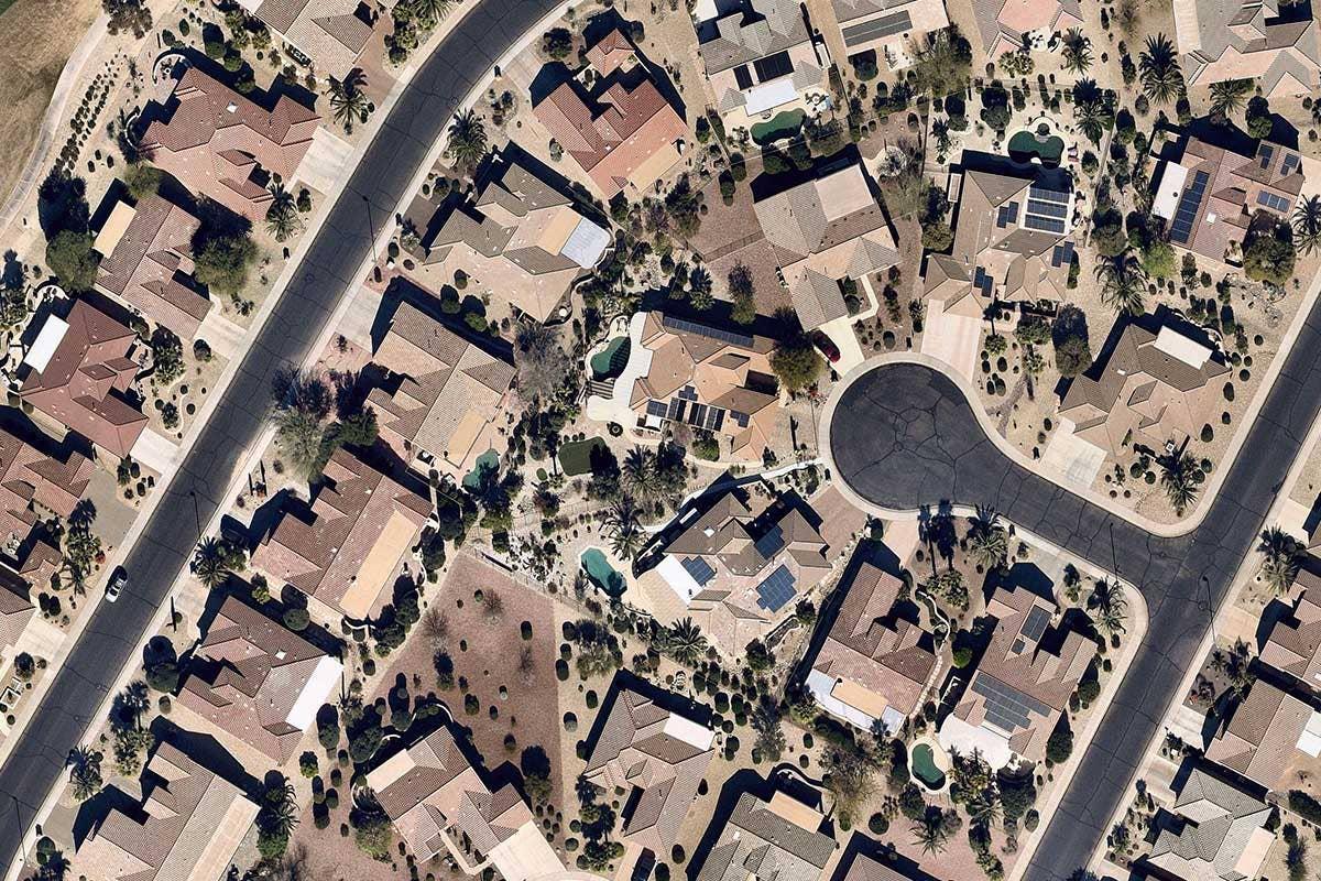 https://www.nearmap.com/content/dam/nearmap/aerial-imagery/us/industries/solar/2020-solar/Solar-roofing-installation-housing-Surprise-Arizona.jpg?format=pjpg&auto=webp&width=1920