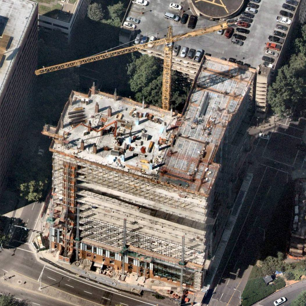 Oblique aerial view, Portland, OR construction -- 2 September 2018